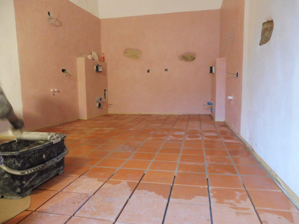 rosa Stucco Calce begrüßt rote Cotto Fliesen